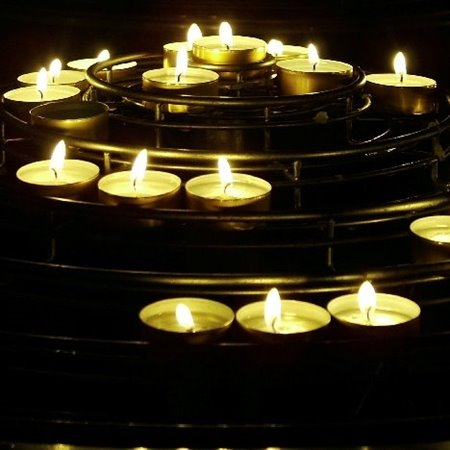 Wave of Light Service marks International Pregnancy and Infant Loss Day